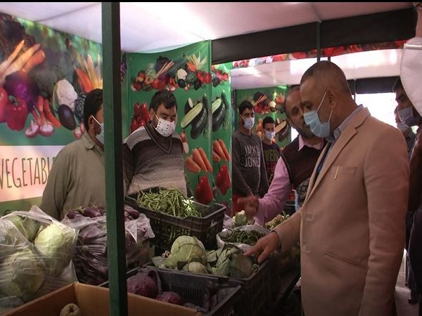Organic vegetable market in Lal Mandi, Srinagar. (Photo/ANI)