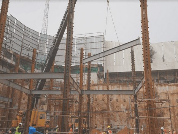Installation of Modular Steel Structure begins at Omaxe Chowk