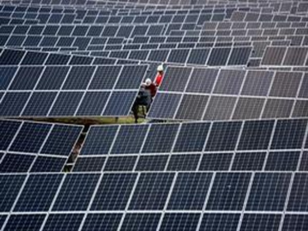 Why China, and not the US, is the leader in solar power