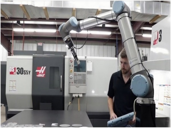 Universal Robots partners with Phillips Machine Tools India to provide the best CNC Machine Tool automation solutions to Indian manufacturers