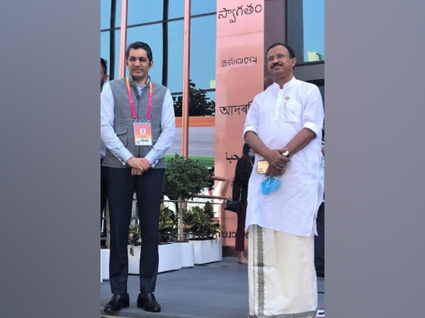 V. Muraleedharan, MoS, External Affairs and Parliamentary Affairs, Govt. of India with Dr. Aman Puri, Consul General of India, Dubai at the India Pavilion in Expo 2020 Dubai
