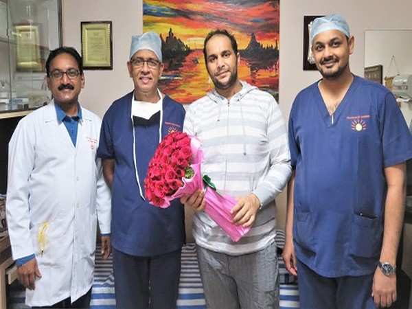 From L-R: Dr Raju Sivasamy - Vice President, SIMS Hospital, Dr V V Bashi - Director, ICAD, Patient from Oman, Dr Mohammed Idhrees - Consultant Cardiothoracic Surgeon