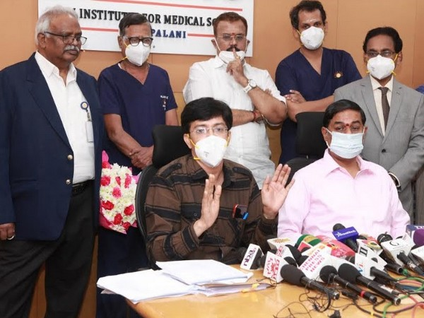 Sitting: Dr J Radhakrishnan, Ravi Pachamoothoo, (First 2): Dr P Kuganantham, Dr K Sridhar, Standing: (Last 2): Dr S J Aswin Sayiram, Dr Raju Sivasamy