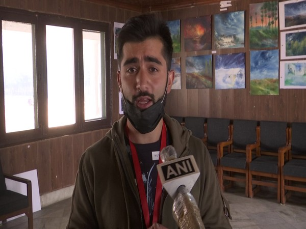 Young artists organise exhibition in J-K's Srinagar to promote art