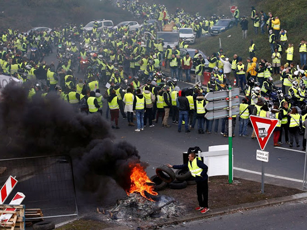 Paris yellow vests protests toned down as movement fizzles out for Christmas