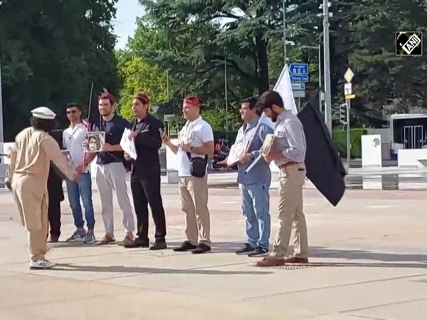 Pashtun community from Pakistan protests at UN in Geneva