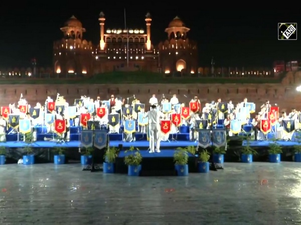 Watch: Indian Armed Forces give musical band performance at Red Fort
