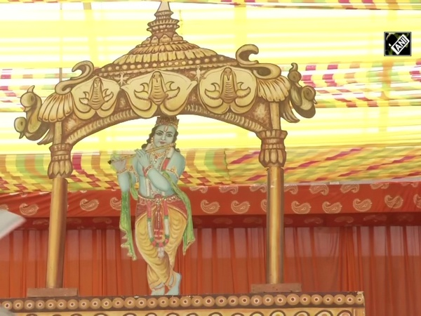 Jhandewalan Temple gears up for Janmashtami, social distancing mandatory