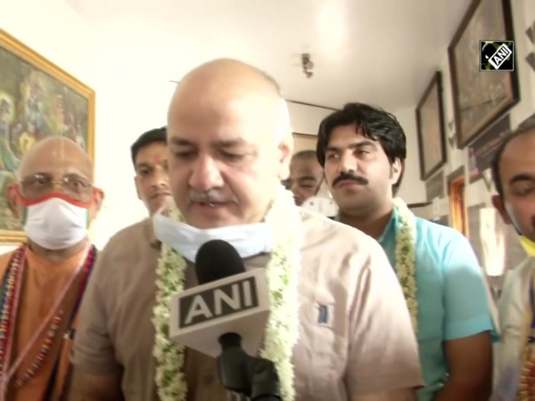 Janmashtami 2020: Manish Sisodia offers prayers at Delhi's ISKCON Temple