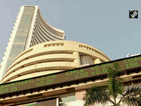 Equity indices tumble on profit booking but IT stocks shine