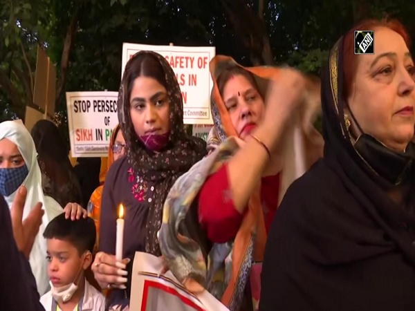 SAD Women's Wing stages protest against forcibly conversions of Sikh girls to Islam