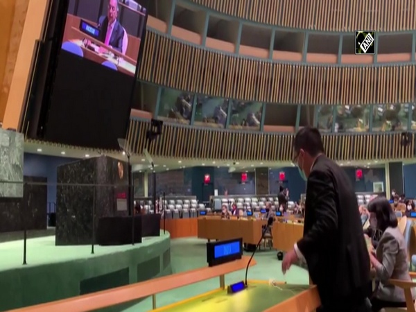 Watch: Indian delegate at UN General Assembly walks out when PM Imran Khan began speaking