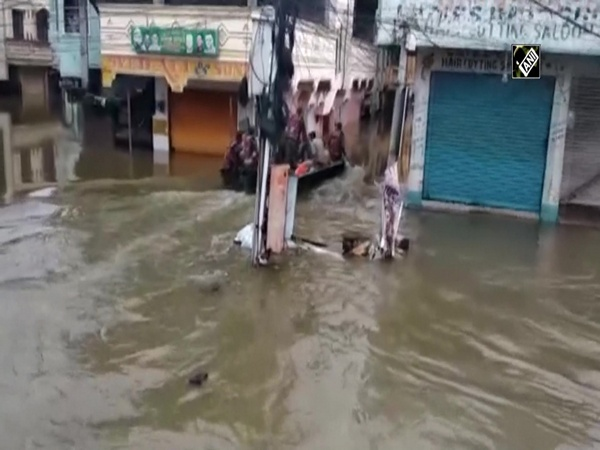 Watch: Indian Army carries out rescue operation in Hyderabad