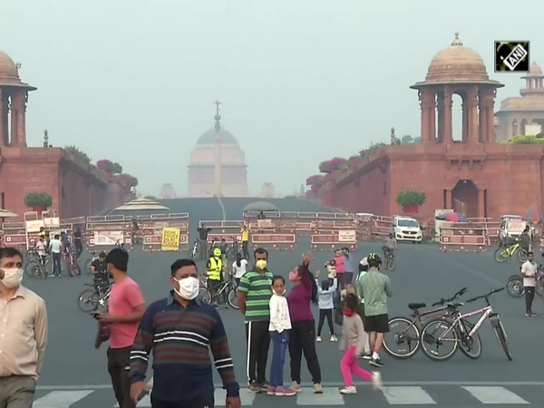 Delhi's air quality remains 'poor', stubble burning plays major role
