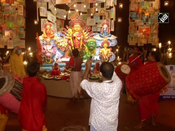 Watch: Mahanavami Sandhya Aarti performed in Kolkata