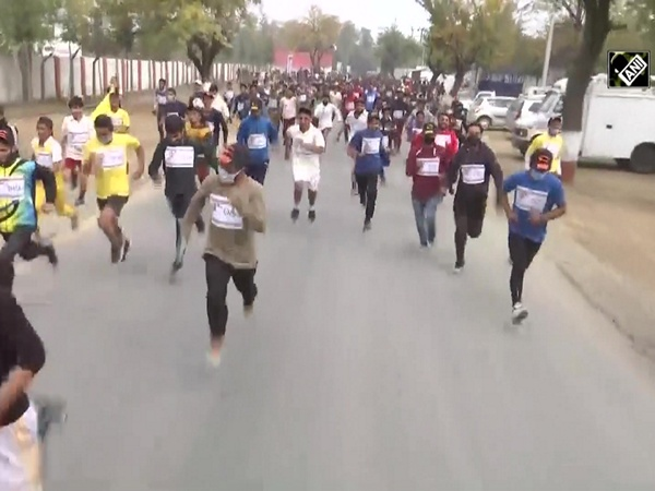 Kashmiri youth participate in Run for Fun and Walkathon organised by Army