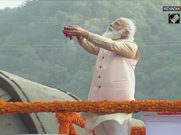 PM Modi pays tribute to Sardar Patel at 'Statue of Unity' on his birth anniversary