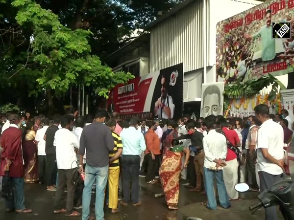 Kamal Haasan's fans gather outside his residence to celebrate his b'day