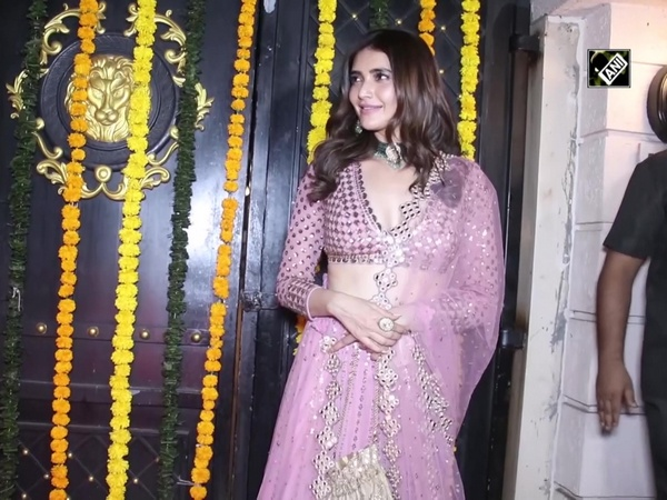 Celebrities sizzle at Ekta Kapoor's Diwali bash