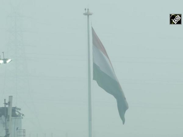 Delhiites wake up to hazy morning