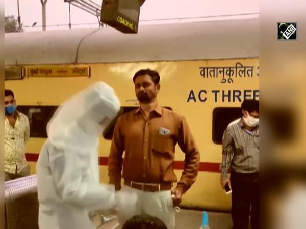 COVID-19: Mandatory RT-PCR test begins at Mumbai's Dadar Railway Station