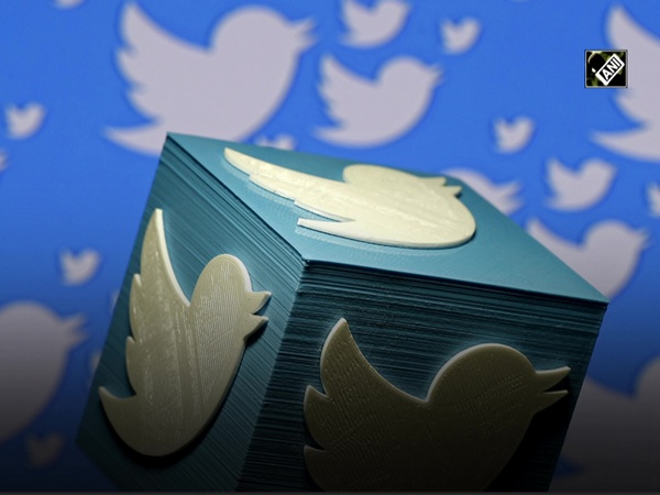 Twitter to show warning sign when users like a labelled tweet