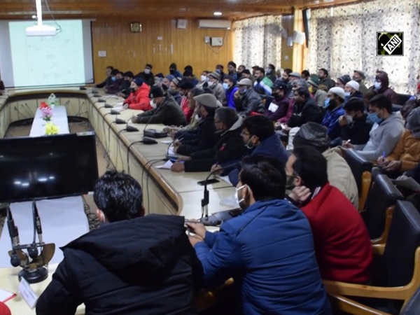 Pulwama administration trains polling staff, presiding officers for DDC elections