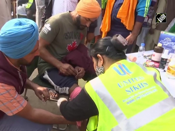 United Sikhs NGO sets up medical camp for farmers at Singhu Border