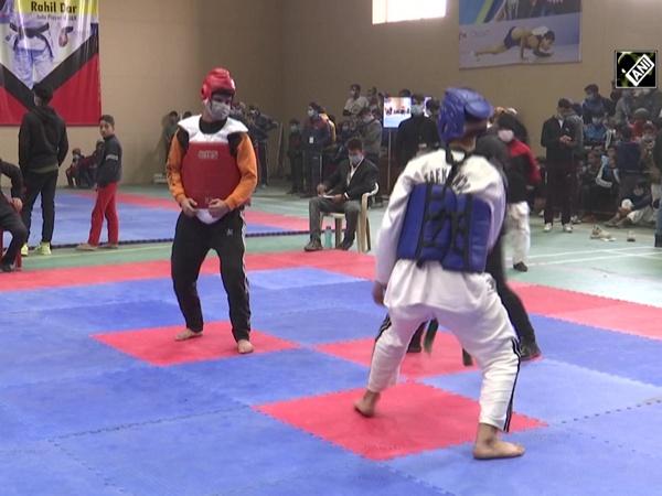 'Khelo Kashmir' sports event commences in Srinagar