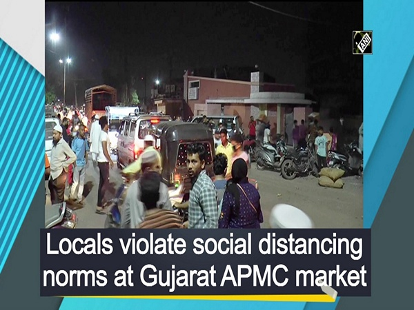 Locals violate social distancing norms at Gujarat APMC market