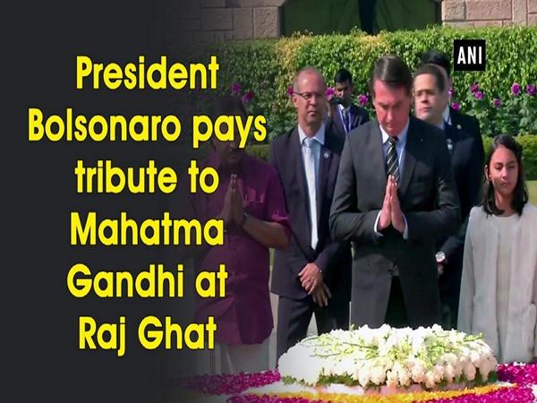 President Bolsonaro pays tribute to Mahatma Gandhi at Raj Ghat