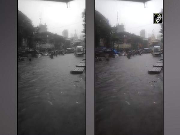 Mumbai's Null Bazar area turns into 'pond' after downpour