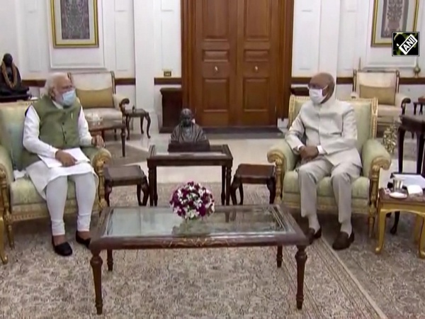 PM Modi calls on President Kovind, briefs him on national, international issues