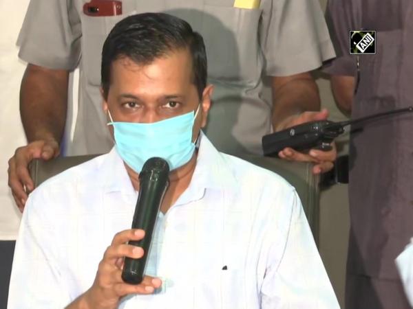 COVID-19: CM Kejriwal, Deputy CM Sisodia visit hospital in Delhi