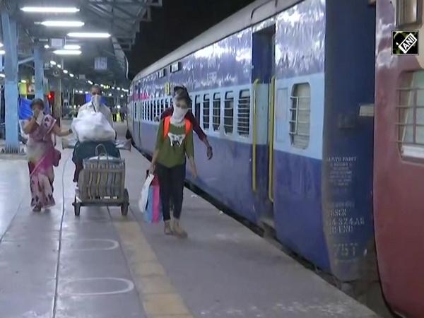 Unlock 1.0: Passenger train service resumes from Mumbai to Varanasi