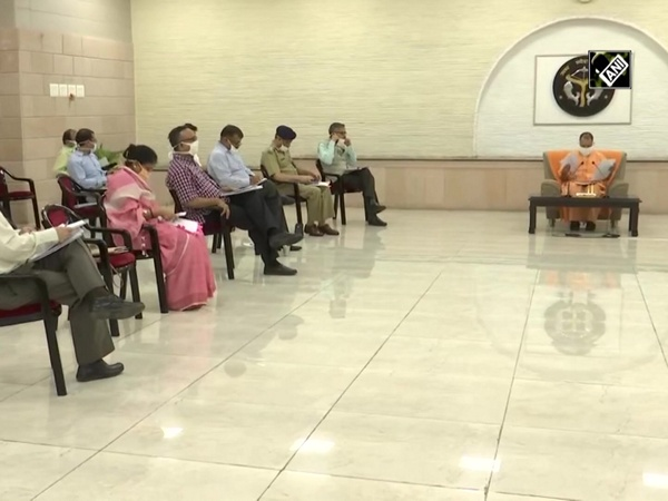 Unlock 1.0: Yogi Adityanath holds meeting with COVID-19 management Team-11