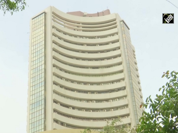 Equity indices flat as India-China tensions simmer, banking stocks slip