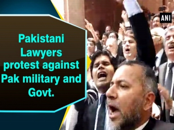 Pakistani Lawyers protest against Pak military and Govt.