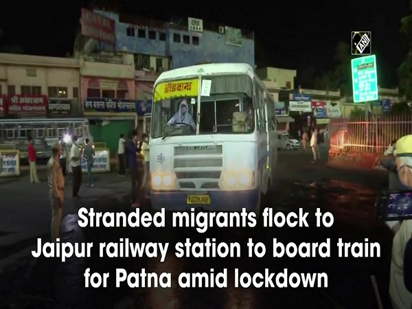 Stranded migrants flock Jaipur railway station to board train for Patna amid lockdown