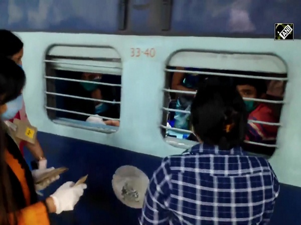 Menstrual Hygiene Day: Indian Railways distribute sanitary pads in 'Shramik' trains