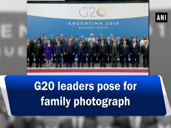 G20 leaders pose for family photograph
